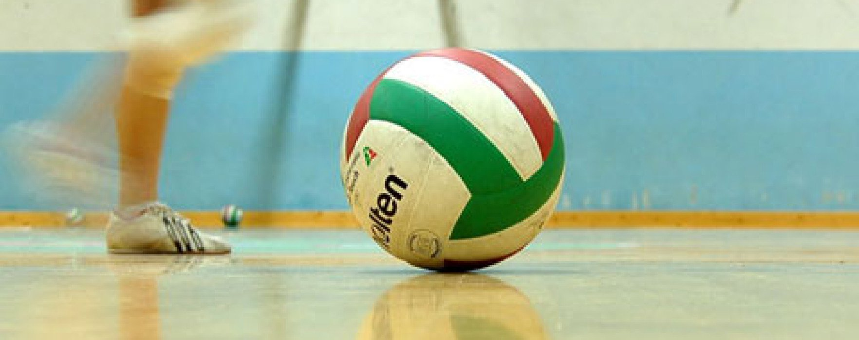 Volley sotto rete con thomas carrer cus ancona - Rete pallavolo piscina ...