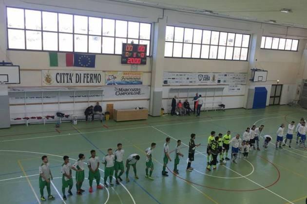 Calcio a 5 : Il Cus Ancona dei giovani regge un tempo dinanzi al Cobà