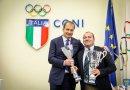 Calcio a 5: Il Cus Ancona premiato a Roma dal Presidente Luca Bergamini